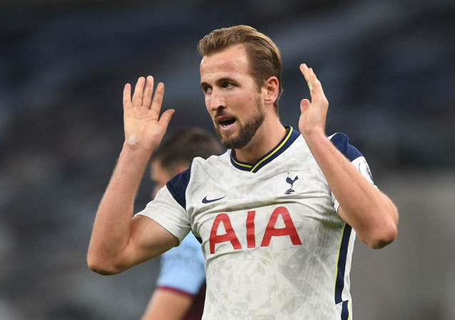 Premier League - Tottenham Hotspur v West Ham United - Tottenham Hotspur Stadium, London, Britain - October 18, 2020 Tottenham Hotspur's Harry Kane reacts after a missed chance