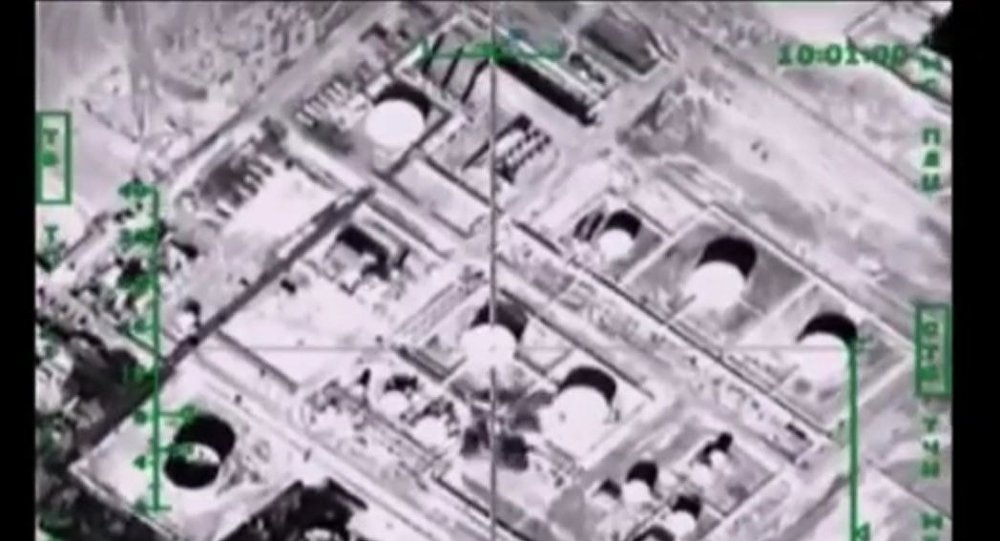 The PBS shows footage of Russian airstrikes against ISIL targets, passing them off as US airstrikes